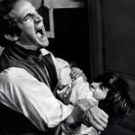 Ο Φρανσουά Τριφό ταλαιπωρείται από ένα παιδί σε σκηνή από την ταινία του «Ένα αγρίμι στην πόλη» που εντάσσεται στο αφιέρωμα «Τα παιδιά στις ταινίες του Φρανσουά Τριφό».