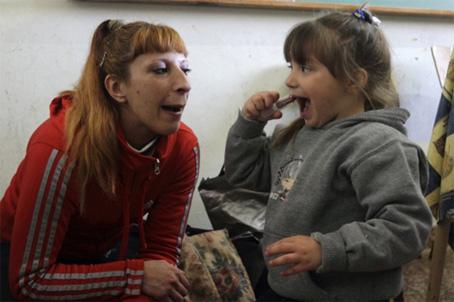 Η τοξικομανής Cigara γέννησε την κορούλα της μέσα στην φυλακή.