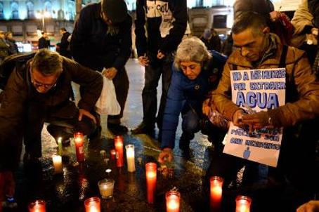 Διαμαρτυρία για τις υψηλές τιμές του ηλεκτρικού ρεύματος (φωτ: AFP)