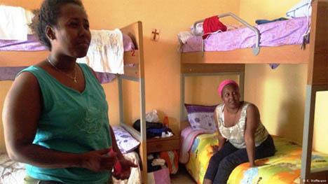 Πρόσφυγες από τη Νιγηρία στη Σικελία