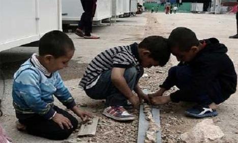 «Ας μάθουμε στα παιδιά μας να μην διαχωρίζουν τους ανθρώπους» Ένα ηχηρό μήνυμα – ένα κείμενο ομάδας γονιών από όλα τα σχολεία της Σάμου ενάντια στον αποκλεισμό των προσφυγόπουλων από την εκπαίδευση
