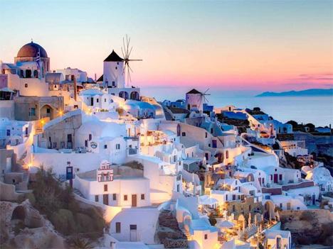 Αναπληρωτές: Ακόμα μια χρονιά το πρόβλημα των πανάκριβων ενοικίων σε νησιά – και Αθήνα λόγω AirBnB