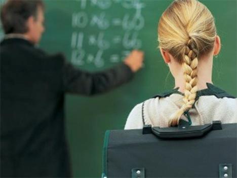 Κατά 19.000 λιγότεροι οι καθηγητές την τελευταία δεκαετία- Μονιμοποίηση αναπληρωτών ζητάει η ΟΛΜΕ
