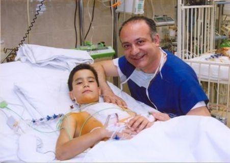 Αυξέντιος Καλαγκός: Γιατρός των φτωχών παιδιών