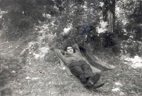 Το 1998 ήταν η 14η φορά που o Λιαντίνης ανέβαινε στον Ταύγετο. Το προηγούμενο βράδυ της εξαφάνισης του ο Λιαντίνης είχε διαβάσει το βιβλίο «Η ζωή εν τάφω» του Μυριβήλη. φωτογραφία: liantinis.org... Διαβάστε όλο το άρθρο: http://www.mixanitouxronou.gr/i-exafanisi-tou-kathigiti-liantini-to-1998-fevgo-aftothelita-afanizome-orthios-stivaros-ke-perifanos-vrethike-nekros-epta-chronia-argotera-ston-taigeto-iche-krifti-se-mia-kilotita-tou/