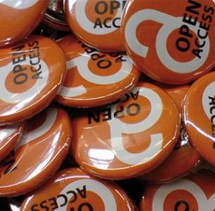 Κονκάρδες από εκστρατεία του κινήματος για την ανοιχτή πρόσβαση.
