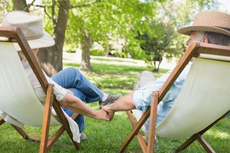 Στην όαση του κήπου μπορεί να φιλοξενούνται κουνούπια που μεταδίδουν τον ιό του Δυτικού Νείλου, ο οποίος δύναται να είναι άκρως επικίνδυνος κυρίως για τα ηλικιωμένα άτομα