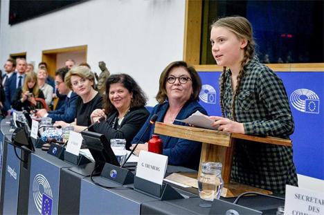 Η Γκρέτα που διεκδικεί το Νόμπελ Ειρήνης αφού προτάθηκε από τρεις βουλευτές της Σουηδικής και της Νορβηγικής βουλής μίλησε στο Σρασβούργο κάνοντας έκκληση προς όλους τους ηγέτες της Ευρωπαϊκής Ένωσης να λάβουν άμεση σοβαρά μέτρα σχετικά με την προστασία του κλίματος.