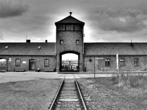 Πολύ λίγα από τα παιδιά που οδηγήθηκαν στο Άουσβιτς και τα άλλα στρατόπεδα επέζησαν