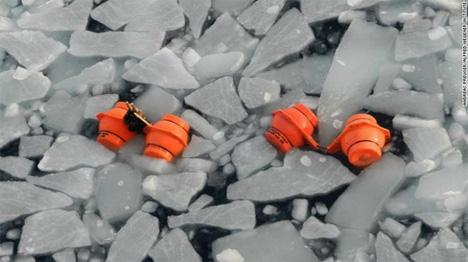 Τα ειδικά όργανα με τα οποία οι επιστήμονες μετρούν τη θερμοκρασία των πάγων (Πηγή: CNNi)