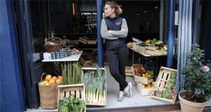 Οι Ευρωπαίοι καταναλωτές αδυνατούν επί του παρόντος να τονώσουν με υψηλότερες δαπάνες την οικονομική δραστηριότητα  AP Photo/Francois Mori, File