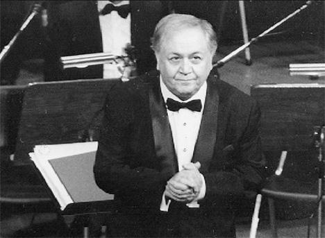 Ο Μάνος Χατζιδάκις (1925-1994)