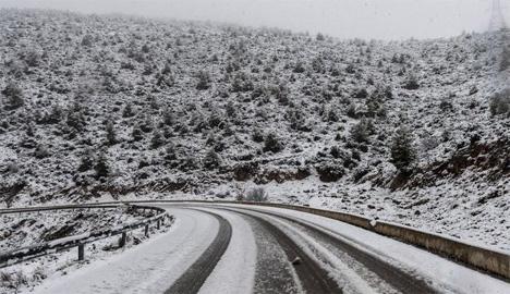 Χιονόπτωση στο όρος Γέροντας της Εύβοιας EUROKINISSI