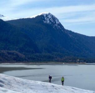 Αλάσκα, ο παγετώνας Μέντελχολ  AP Photo/Becky Bohrer