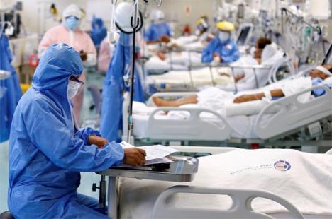 Ο ένας στους δέκα ασθενείς της Covid-19 χρειάζεται εκ νέου εισαγωγή στο νοσοκομείο